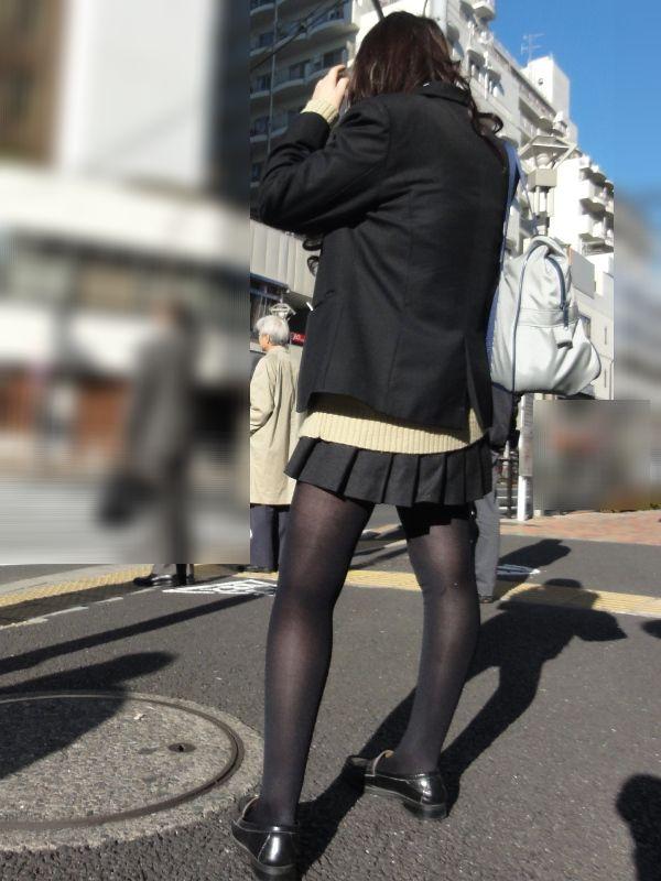 秋冬限定の楽しみ!!黒タイツエロ画像スレwwwこれ大好きなんだよなぁ・・・